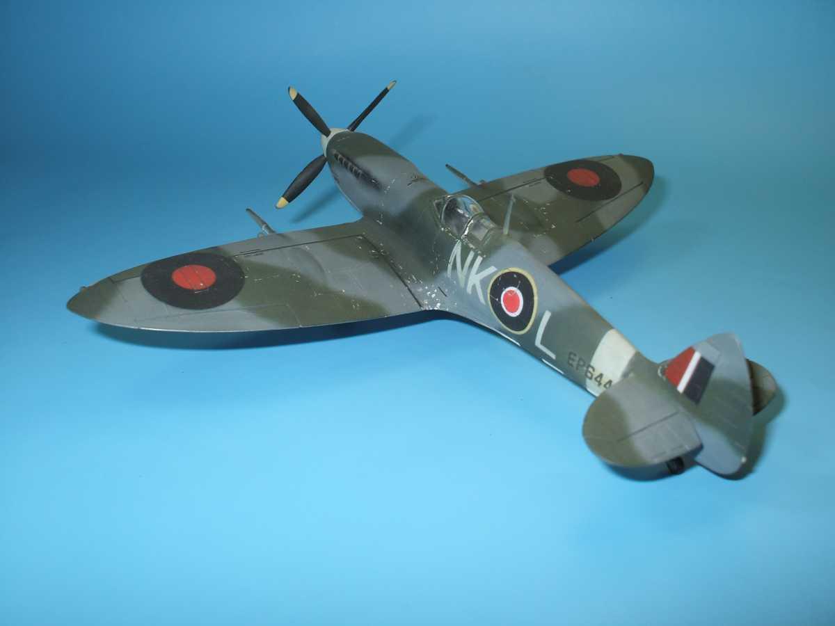 Обои Spitfire Mk.XVI, Packard Merlin 266, Royal Air Force, истребитель - бомбардировщик, американский двигатель, с каплевидным фонарём. Авиация foto 14