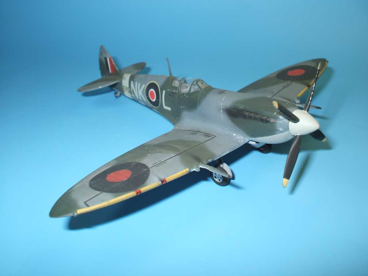 Обои Spitfire Mk.XVI, Packard Merlin 266, Royal Air Force, истребитель - бомбардировщик, американский двигатель, с каплевидным фонарём. Авиация foto 12