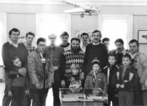 Кишеневские моделисты в середине 1980-х гг. Акрадий Желудев четвертый слева.