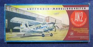 Lufhansa Modelbaukasten AN-2 Rundflugmachine