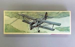 Flugzeug-Modelbaukasten AN-2