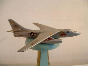 "Douglas B-66 ""Destroyer"". Масштаб  1/83."