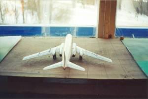 Ту-104 - модель производства МЗМПИ\Кругозор