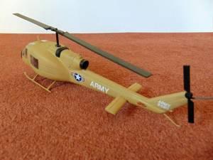 """Bell UH-1B """"Iroquios"""" - модель собранная """"из коробки"""", выставлена в качестве лота на аукционе eBay в 2019 г."""